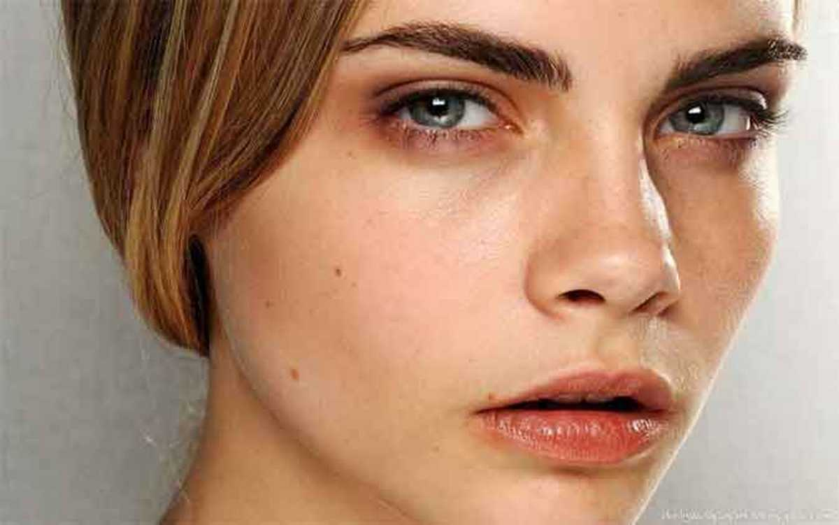 Do Men Find Cara Delevingne's Thick Full Eyebrows Attractive?